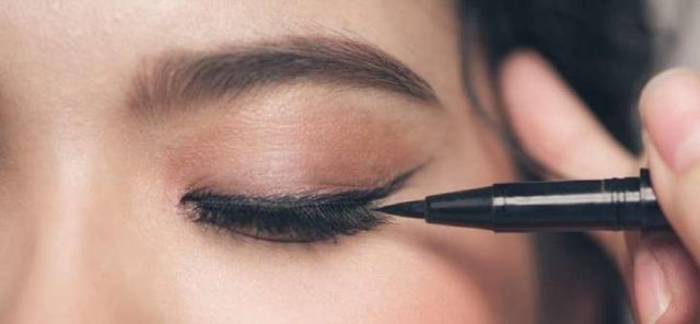 tips for applying eyeliner
